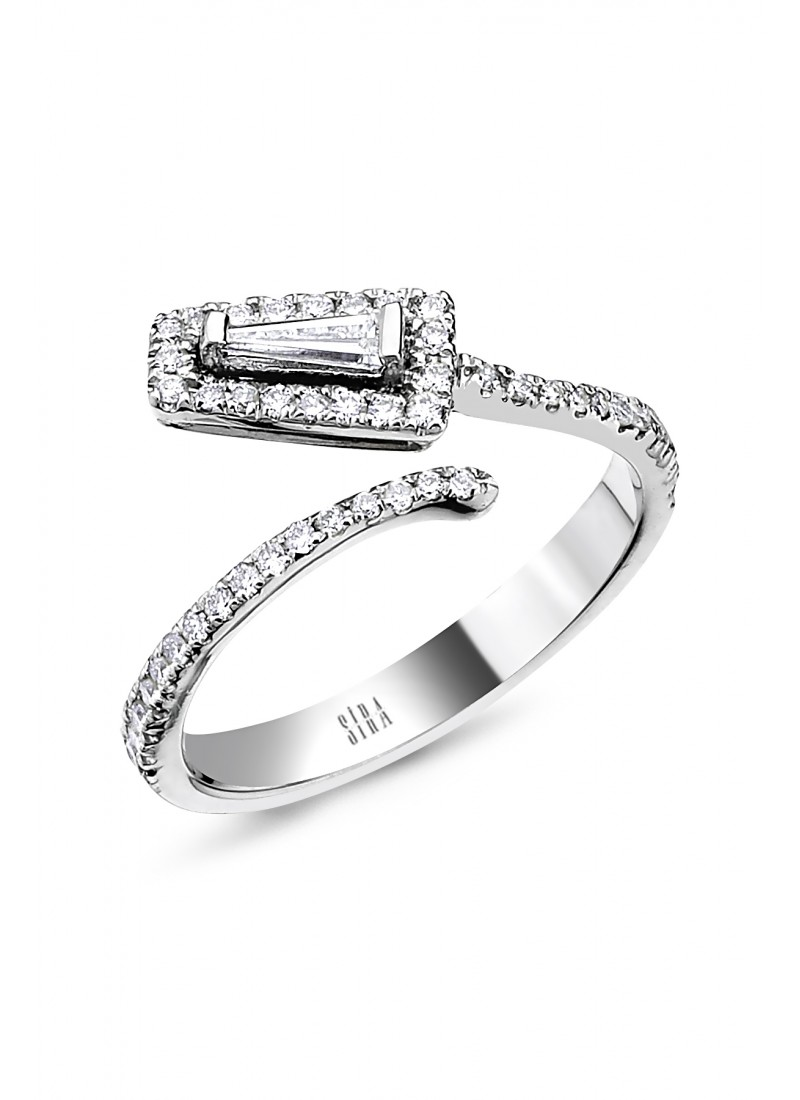 Trapezoidal Baguette Ring - White Gold