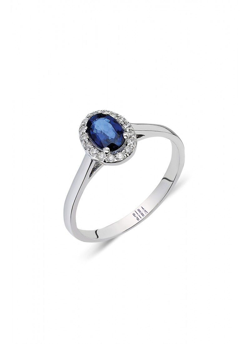Oval Ring - White Gold